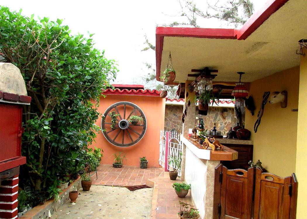Casa Salome, Vinales, Cuba, find beds and accommodation in Vinales