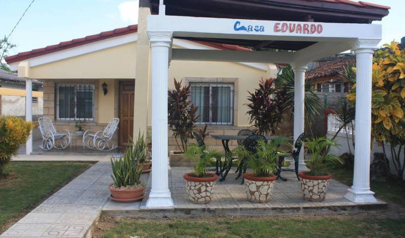 Casa Eduardo - Get cheap hostel rates and check availability in Playa Larga 8 photos