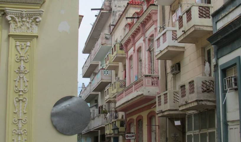 Casa Yanet y Ariel - Search for free rooms and guaranteed low rates in La Habana Vieja 32 photos