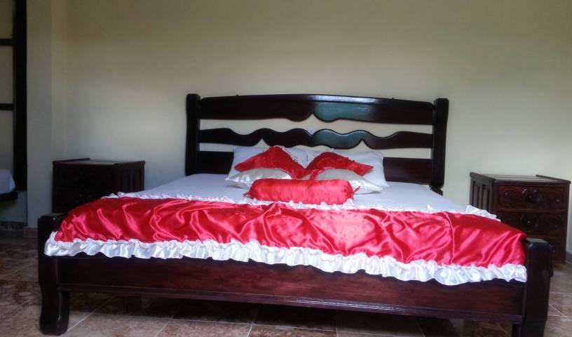 Hostal Costa Norte - Search for free rooms and guaranteed low rates in Caibarien 2 photos