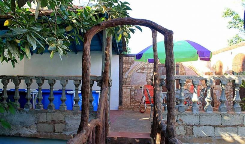 Hostal Isora y Ruben - Search for free rooms and guaranteed low rates in Trinidad, fine world destinations in La Boca, Cuba 2 photos