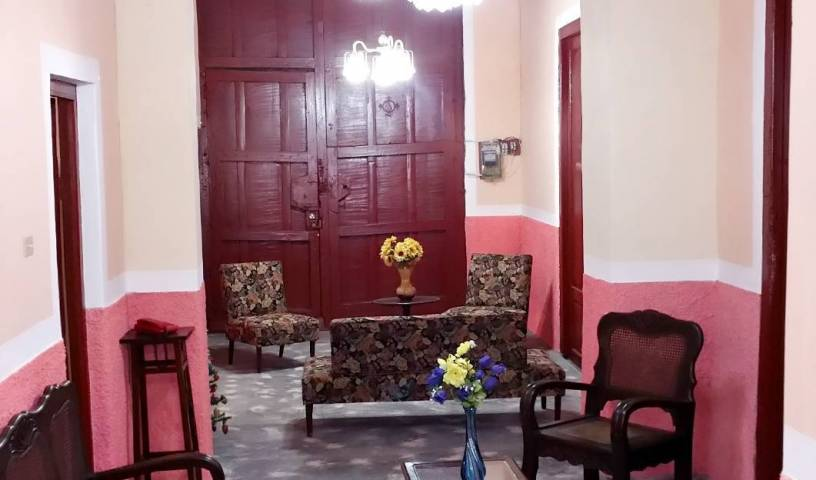 Parque de Jesus Hostal - Search for free rooms and guaranteed low rates in Sancti Spiritus 8 photos