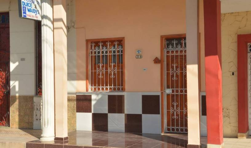 Rent Dulce and Waldy - Search available rooms for hotel and hostel reservations in Moron, CU 14 photos