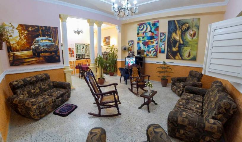 Rikis Hostal - Get low hotel rates and check availability in Santa Clara, holiday reservations 10 photos