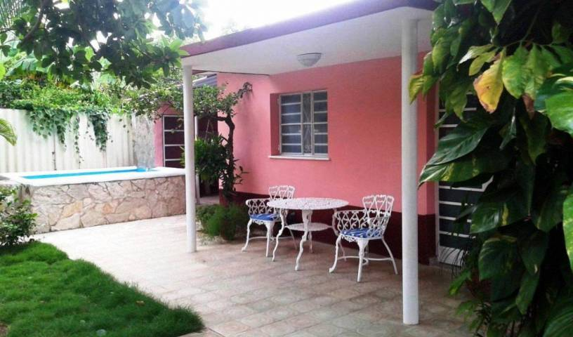 Villa Sadymar - Search available rooms for hotel and hostel reservations in Havana 3 photos