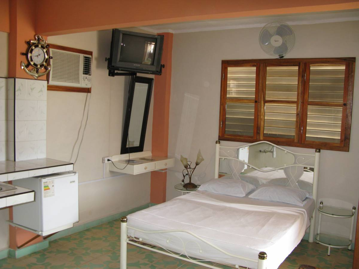 Hostal San Fernando, Moron, Cuba, last minute bookings available at hotels in Moron