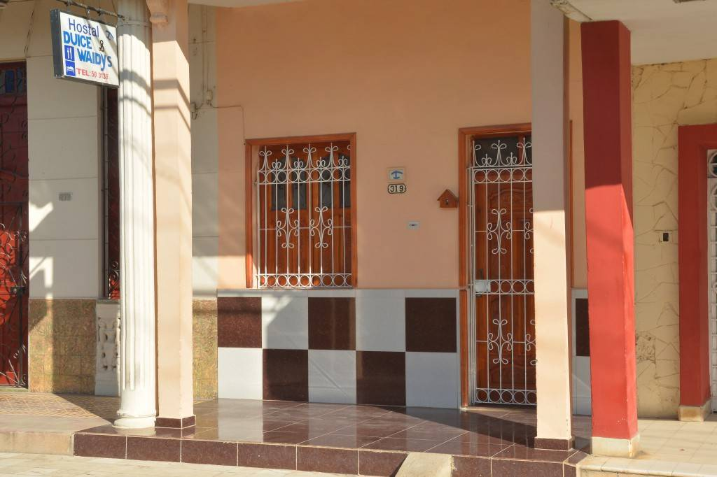 Rent Dulce and Waldy, Moron, Cuba, Cuba hotels and hostels