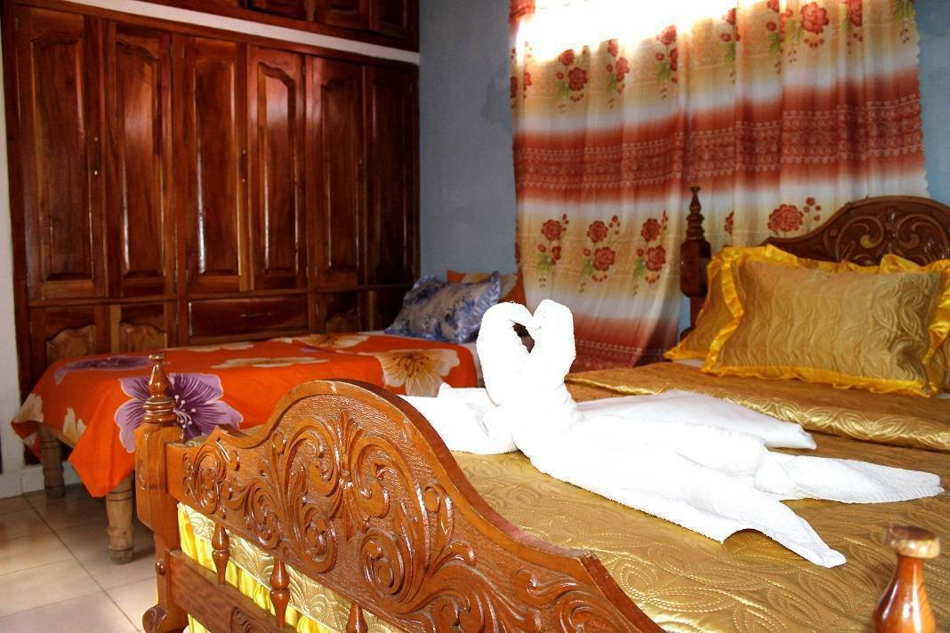 Rosa Elisa Albalat Bandomo, Trinidad, Cuba, female friendly hotels and hostels in Trinidad