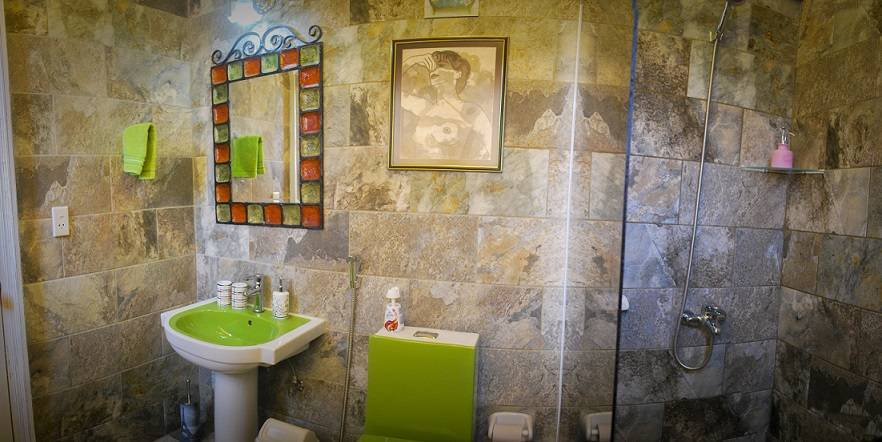 Two Beds Room, Centro Habana, Cuba, save on hotels with Instant World Booking in Centro Habana