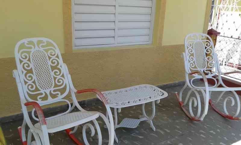 Villa La Melodia, Vinales, Cuba, local tips and recommendations for hostels, motels, backpackers and B&Bs in Vinales