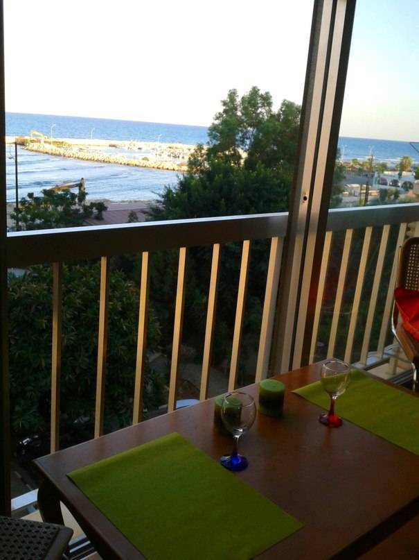 Mikis Apart, Larnaca, Cyprus, affordable motels, motor inns, guesthouses, and lodging in Larnaca