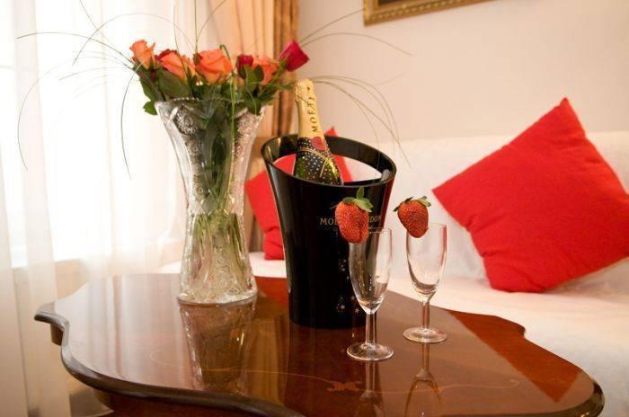 Hotel Donatello, Prague, Czech Republic, we guarantee the lowest price for your hotel in Prague