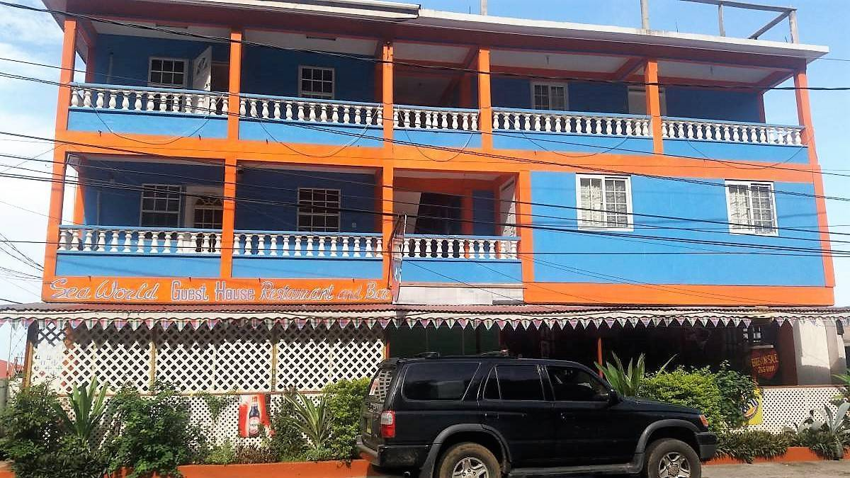 Sea World Guest House, Roseau, Dominica, backpackers backpackers hiking and camping in Roseau