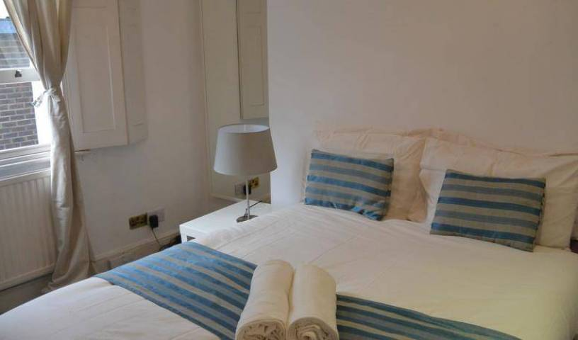 Chelsea Embankment - Search available rooms and beds for hostel and hotel reservations in City of London 9 photos