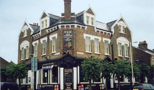 Forest Gate Hotel - Search available rooms and beds for hostel and hotel reservations in City of London, backpackers gear and staying in cheap hotels or budget hostels in City of London, England 2 photos