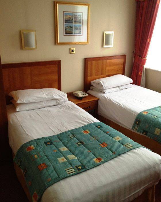 Smart Aston Court Hotel, Derby, England, live like a local while staying at a hotel in Derby