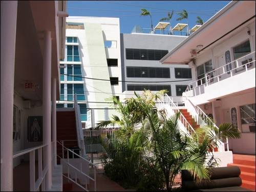 Santa Barbara Hostel, Miami Beach, Florida, Florida hotels and hostels