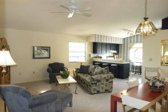 Sutherland Crossing Condominium, Crystal Beach, Florida, tourist class hotels in Crystal Beach