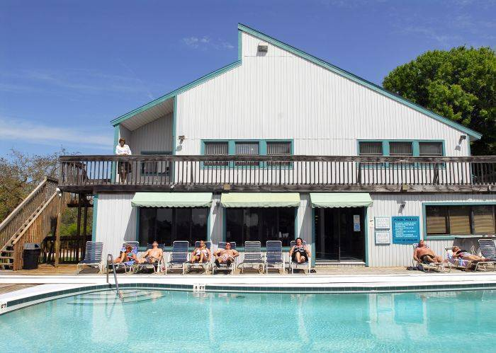 Sutherland Crossing Condominium, Crystal Beach, Florida, Florida hotels and hostels