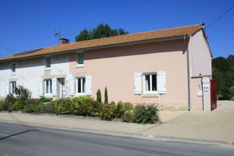 Au Gue de la Vesle, Courtisols, France, France hotels and hostels