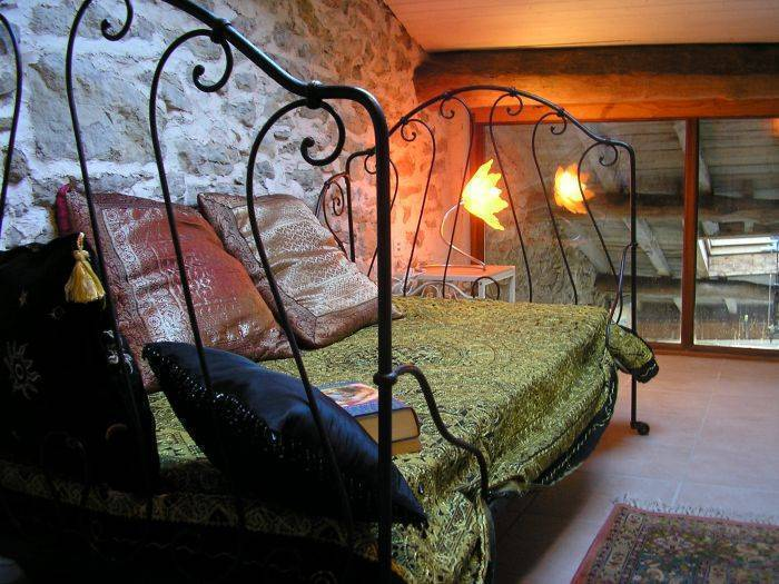 Chez Maison Bleue, Carcassonne, France, give the gift of travel in Carcassonne