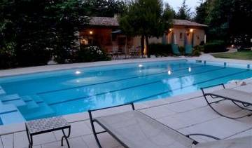 Bed And Breakfast Les Peirelles - Get low hotel rates and check availability in Menerbes, how to book a hotel without booking fees 6 photos