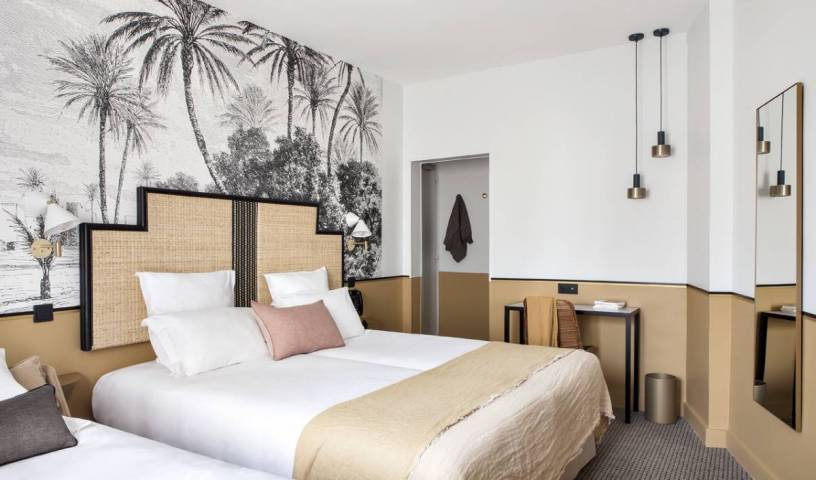 Hotel Doisy Etoile - Search available rooms for hotel and hostel reservations in Paris 2 photos
