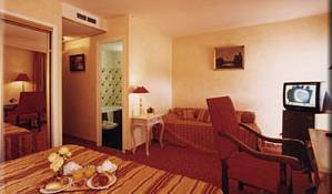 Hotel Ligure - Get low hotel rates and check availability in Grasse 4 photos