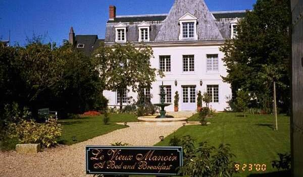 Le Vieux Manoir - Get low hotel rates and check availability in Pellevoisin, what do I need to travel internationally 2 photos