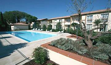 Les Pins Galants - Search available rooms for hotel and hostel reservations in Tournefeuille, online secure confirmed reservations 5 photos