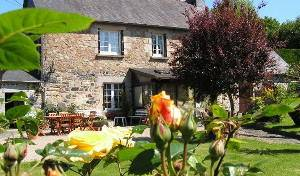 Rubertel Chambres D'hotes - Search available rooms for hotel and hostel reservations in Bourbriac, find cheap hotels and rooms at Instant World Booking 9 photos