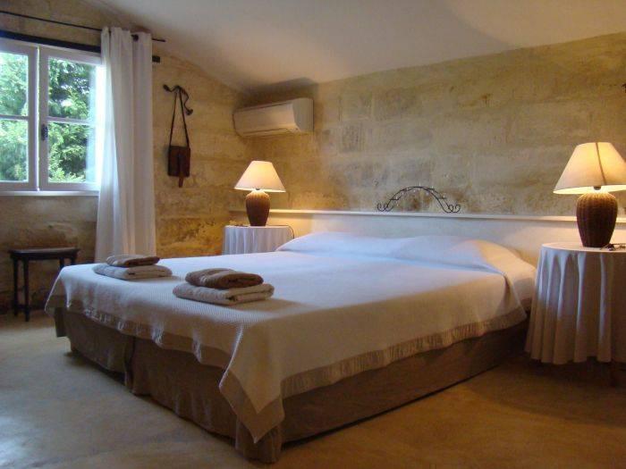 Domaine de Fontbelle, Graveson, France, France hotels and hostels