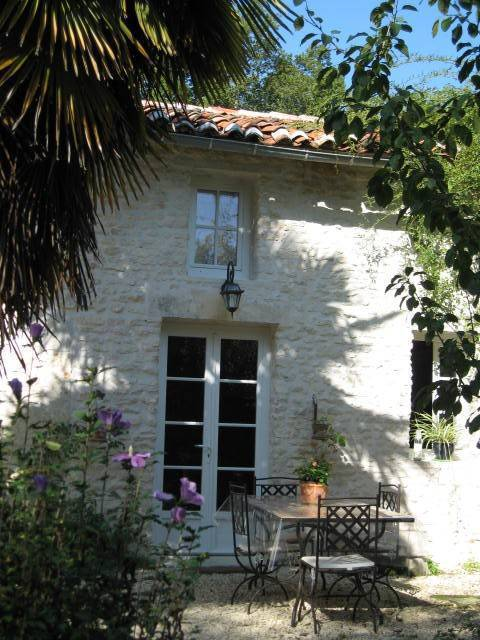 Gite Du Calme - Bed and Breakfast, Cherac, France, France hotels and hostels