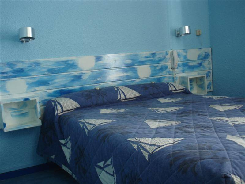 Hotel De La Baie, Bandol, France, guesthouses and backpackers accommodation in Bandol