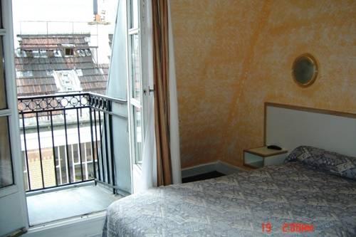 Hotel Notre-Dame, Paris, France, France hotels and hostels