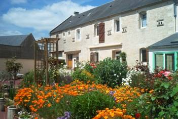 Le Clos De La Barre, Basly, France, France hotels and hostels