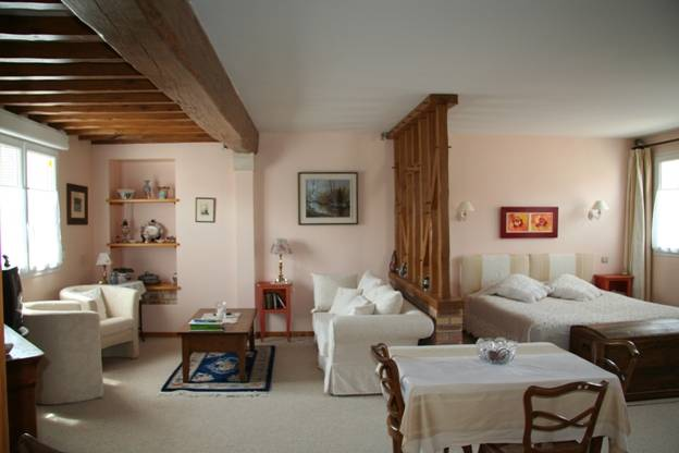 Le Clos De La Barre, Basly, France, hotels near metro stations in Basly
