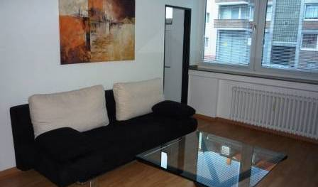 Elegant Apartment in Duesseldorf - Search for free rooms and guaranteed low rates in Dusseldorf 3 photos