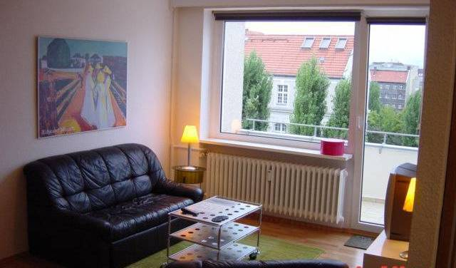 Pfaltburger 38 - Search for free rooms and guaranteed low rates in Berlin, DE 7 photos