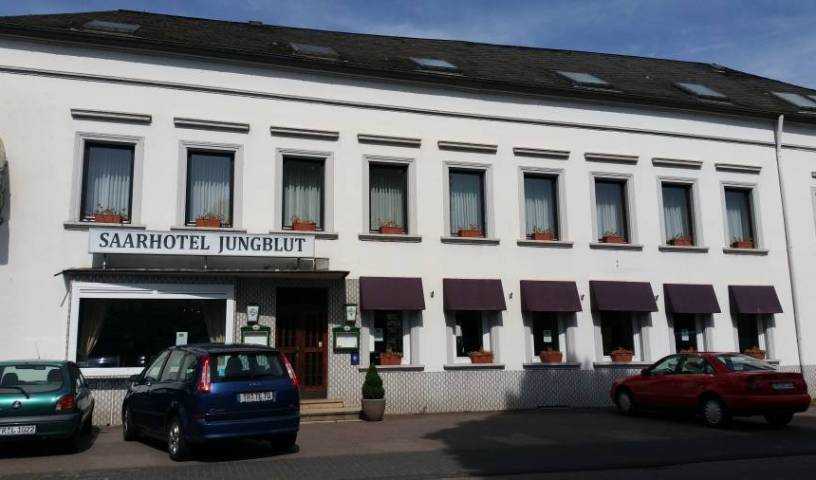 Saarhotel - Get low hotel rates and check availability in Saarburg, hotels for vacationing in winter 4 photos