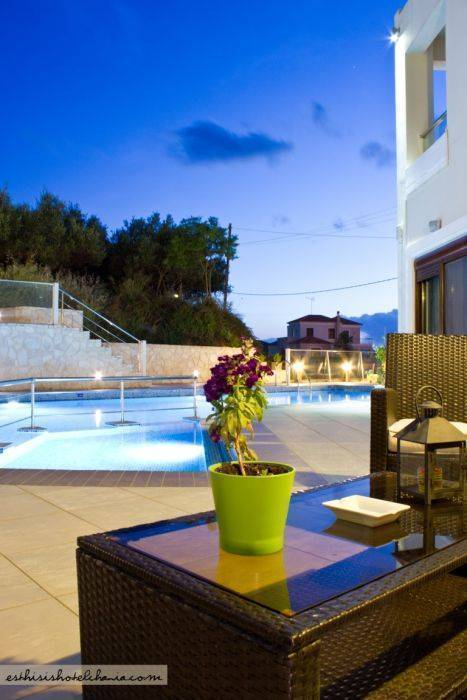 Esthisis Suites, Platanias, Greece, here to help you meet the world in Platanias