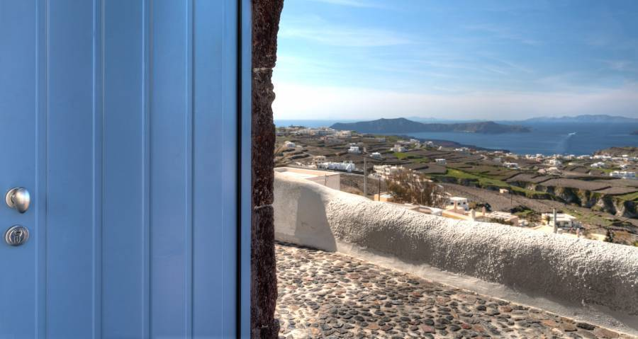 Luna Santorini Suites, Thira, Greece, places for vacationing and immersing yourself in local culture in Thira