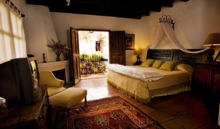 Casa Capuchinas - Search for free rooms and guaranteed low rates in Antigua Guatemala, traveler rewards in Alta Verapaz, Guatemala 7 photos