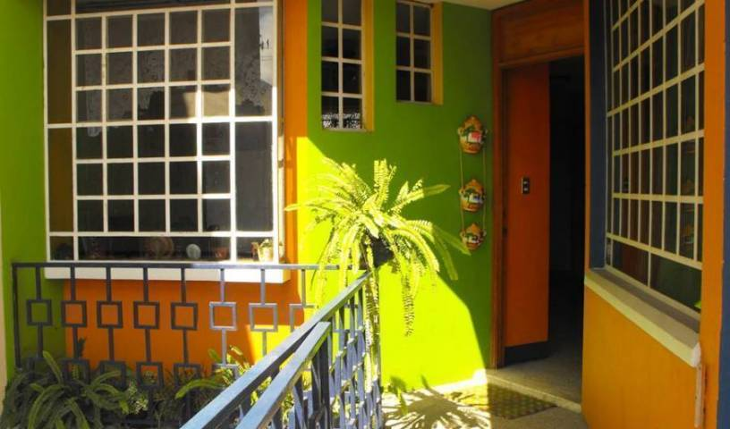 Hostal Guatefriends - Search for free rooms and guaranteed low rates in Guatemala City 39 photos
