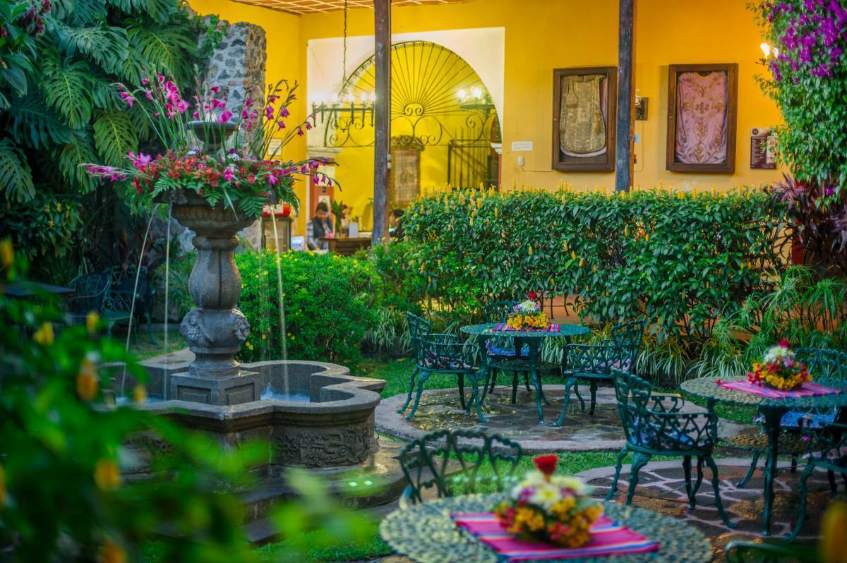 Hotel Casa Antigua, Antigua Guatemala, Guatemala, backpackers hostels hiking and camping in Antigua Guatemala