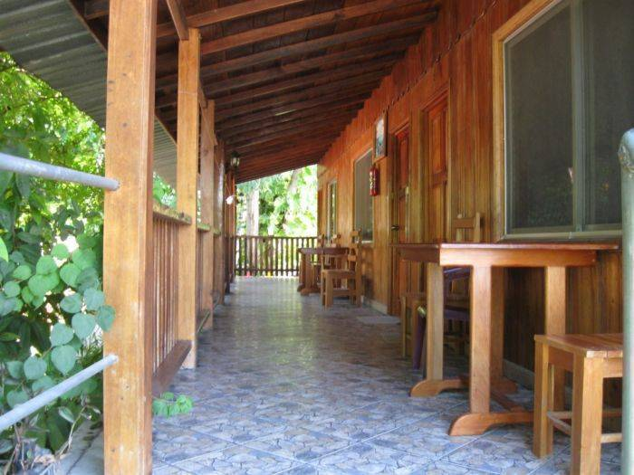 Hotel Las Gardenias, El Remate, Guatemala, hotels and hostels for mingling with locals in El Remate