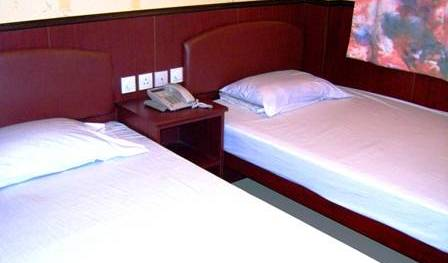Hong Kong Downtown Backpackers - Get low hotel rates and check availability in Tsim Sha Tsui 7 photos