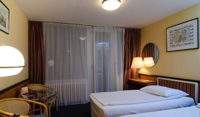 Europa Hotels and Congress Center Standa - Search for free rooms and guaranteed low rates in Budapest 7 photos