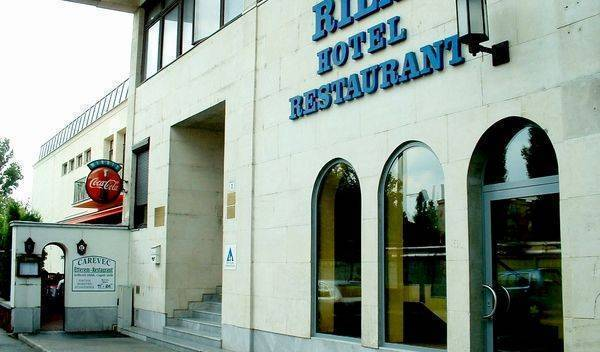 Hotel Rila - Search available rooms and beds for hostel and hotel reservations in Budapest 20 photos