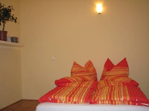Emerald Hostel Budapest, Budapest, Hungary, preferred site for booking accommodation in Budapest